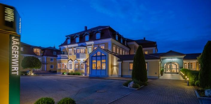 CF, Hotel, Jägerwirt, Lengau, VT, blaue Stunde